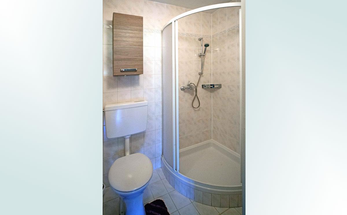 Dusche-WC-Ren.